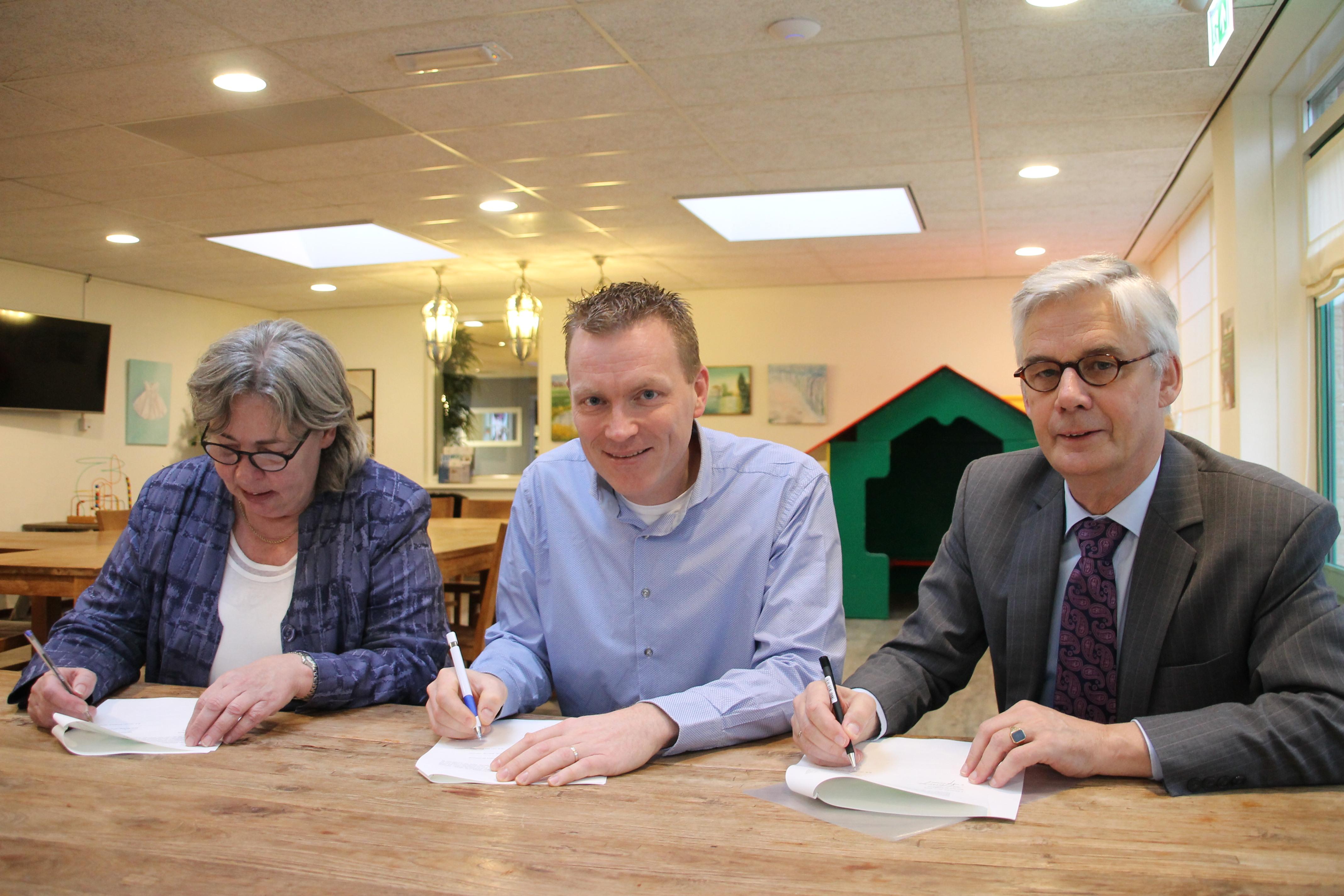 Gemeente en Stichting Molenduinbad Norg bekrachtigen samenwerking